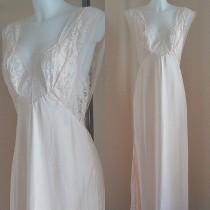 63c9858893 Wedding Ideas - Nightgown  2 - Weddbook