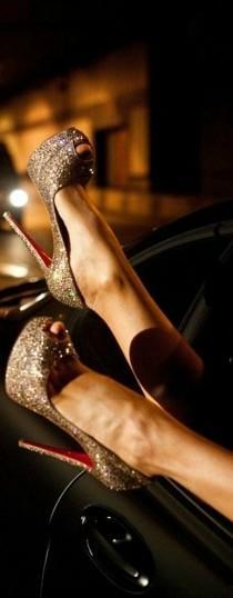 wedding photo - Mis Zapatos!!!! ♡♡♡