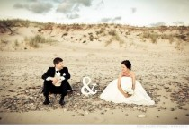 wedding photo - 13 Hilarious Wedding Pic Ideas You Should Steal