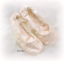 wedding photo - Lace Ballet Flats, Wedding, Bridal, Shoes, Flower Girl Flats, Maid of Honor, Ballerina Slippers, Ivory and Blush, Vintage, Elegant, Garden