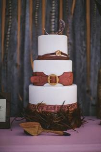 wedding photo - Feather And Wood Wedding Inspiration