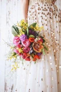 wedding photo - 15 Fresh Florals For Modern Summer Weddings