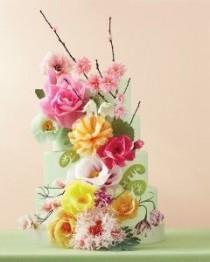 wedding photo - 10 DIY Wedding Cake Ideas For Transforming Ordinary Tiers Into Extraordinary Ones