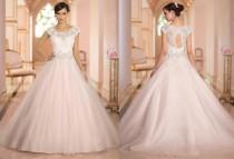 wedding photo - New Arrival Backless Wedding Dresses Tulle Applique Lace 2015 Wedding Gowns Dress Bridal Gown Online with $120.16/Piece on Hjklp88's Store