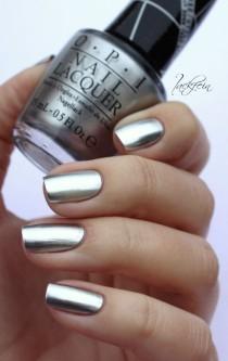 wedding photo - OPI Metallic Chrome Nails