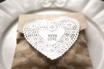 wedding photo - Set Of 20 Polka Dot Kraft Goody Bags