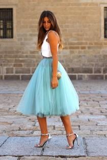 wedding photo - Street Style Ways To Wear A Tulle Skirt