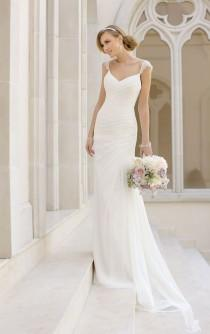wedding photo - Simple Wedding Dresses With Elegance