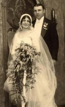 wedding photo - Vintage Brides & Weddings