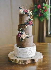 wedding photo - Daily Wedding Cake Inspiration (New!)