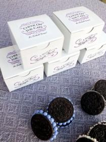 wedding photo - DIY Decorated Oreo Cookie Favors For Wedding Guests