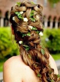 wedding photo - Summer 2014 Wedding Floral Hairstyles