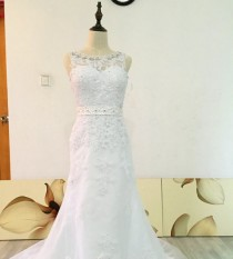 wedding photo -  Real Photos Scoop Neckline with Beadings and Pearls Wedding Dress with Beaded Sash and Lace Appliques Sexy V-back Bridal Gown