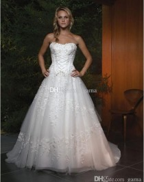 wedding photo -  2015 Sale Real Photos New Design Wedding Dresses Strapless Sweetheart A-line Skirt Bridal Gowns Decorated with Ornate Beading And Embroidery Online with $170.68/Piece on Gama's Store