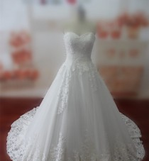 wedding photo -  Real Samples Lace Wedding Dress Sweetheart Lace-up Bridal Gown