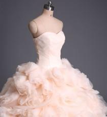 wedding photo - Elegant Sweetheart Ball Gown Wedding Dress/Bridal Gown/Evening Dress/Women's Clothing