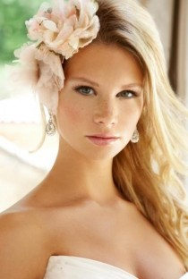wedding photo - Community Post: 32 Pretty Girls With Freckles