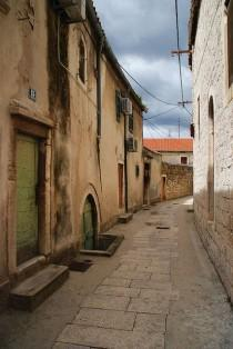 wedding photo - Alleys & Cobblestone Streets /Callejones, Calles Empedradas