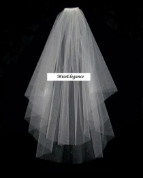 "wedding photo - Bridal Veil ,Wedding Veil, 2 tier Shoulder Length 15"" 20""  Communion  Hennight veil  Cut Edge veil w detachable comb & Loops White or Ivory"
