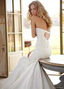 wedding photo - Monday Morning Obsession: Hayley Paige Heart Cut-Out Dress - Wedding Party