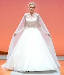 wedding photo - Alfred Angelo Presents A New Queen Elsa From Frozen Wedding Dress �� And It's Even More Beautiful Than The Last One!