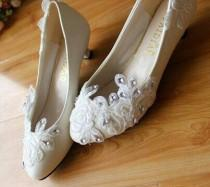 wedding photo - flat wedding shoes flat shoes bridal shoes flat bridal shoes lace shoes applique shoes
