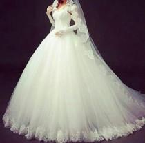 wedding photo - Elegant Ball Gown Lace Wedding Dresses Gown Sleeveless 2015 A-Line White Cheap Spring Strapless Bridal Gown Lace Up Back Applique Tulle Online with $124.61/Piece on Hjklp88's Store