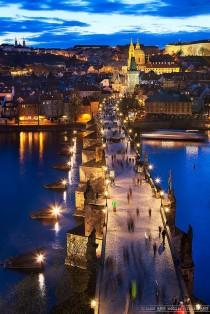 wedding photo - Angel Style (Charles Bridge - Prague - Czech Republic )
