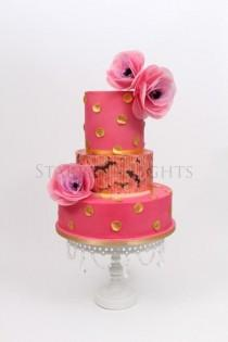 wedding photo - Wedding Cake In Pink And Gold (wafer Paper Flower Tutorial