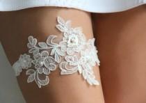 wedding photo - Lace & Pearls ivory lace wedding garter set, Pearl garter set, floral lace garter, lace wedding garter, style G06
