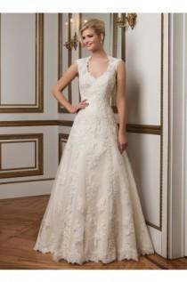 Wedding Photo Justin Alexander Dress Style 8822