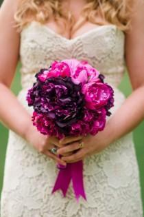 wedding photo - 16 Striking And Elegant Bridal Bouquet Ideas - MODwedding