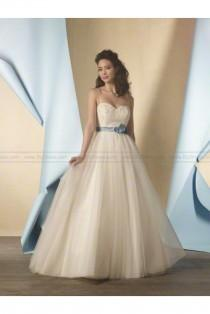 wedding photo - A-line gown Alfred Angelo Wedding Dress 2446