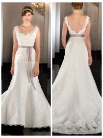 wedding photo - Fit Flare Scalloped Neckline Lace Appliques Wedding Dress with Detachable Chapel Train