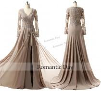 wedding photo - Champagne Evening Dresses Long Sleeve V Neck Prom Gowns High Slit 2016 Appliques Lace Mother of the Bride Dress 0525