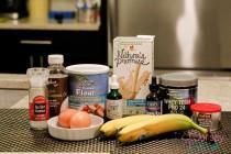 wedding photo -  Recipe:Banana and Vanilla Whey Protein Cookies - Ladiestylelife.com