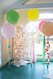 wedding photo -  5 Balloon DIYs for Your Holiday Party!