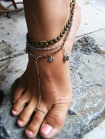 wedding photo -  Toe Rings Meaning - Know More About Them