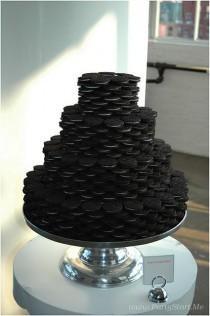 wedding photo - The Awesometastic Bridal Blog: Oreo Wedding Cake