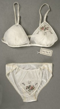 wedding photo - The Metropolitan Museum Of Art - Underwear