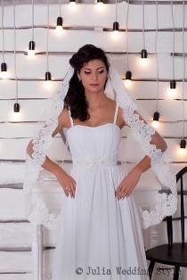 wedding photo - Fingertip Wedding Veil,Mantilla veil,white tulle veil,lace wedding veil,single tier veil,one tier veil,Elegant Wedding Veil,custom veil