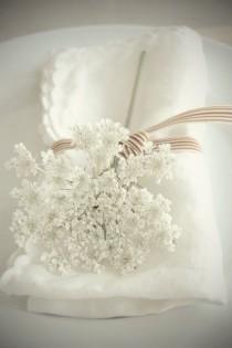 wedding photo - 名前もかわいい小さな白い花。baby's Breath(カスミソウ)