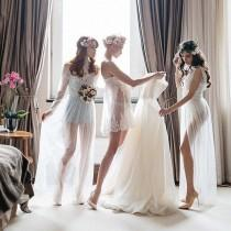 "wedding photo - Belle The Magazine On Instagram: ""❤❤❤ How Lovely Is This Shot Of A Bride And Her Bridesmaids Getting  Ready?!!  By @anton_kusmenkov   smaids…"""