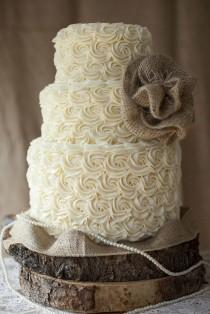 wedding photo - 30 Rustic Wedding Cakes For The Perfect Country Reception