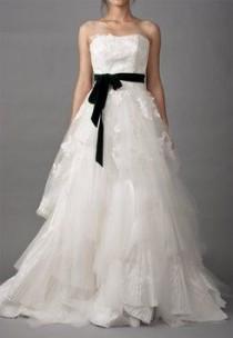 wedding photo - Ivory Vera Wang Wedding Dress