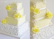 wedding photo - Yellow Daisy Wedding Cake