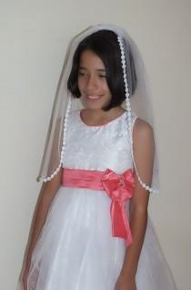 wedding photo - Bridal veil, traditional veil, tulle veil, summer veil, short veil, flower veil,lace veil,First Communion Veil