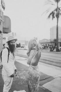 wedding photo - Ce Couple S'est Offert Le Mariage Le Plus Hipster Et Rock & Roll Possible