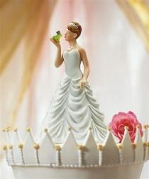 wedding photo - 17 Hilarious Wedding Cake Toppers That Will Make You Laugh