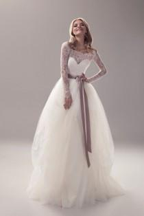 wedding photo - Long sleeve Wedding Dress